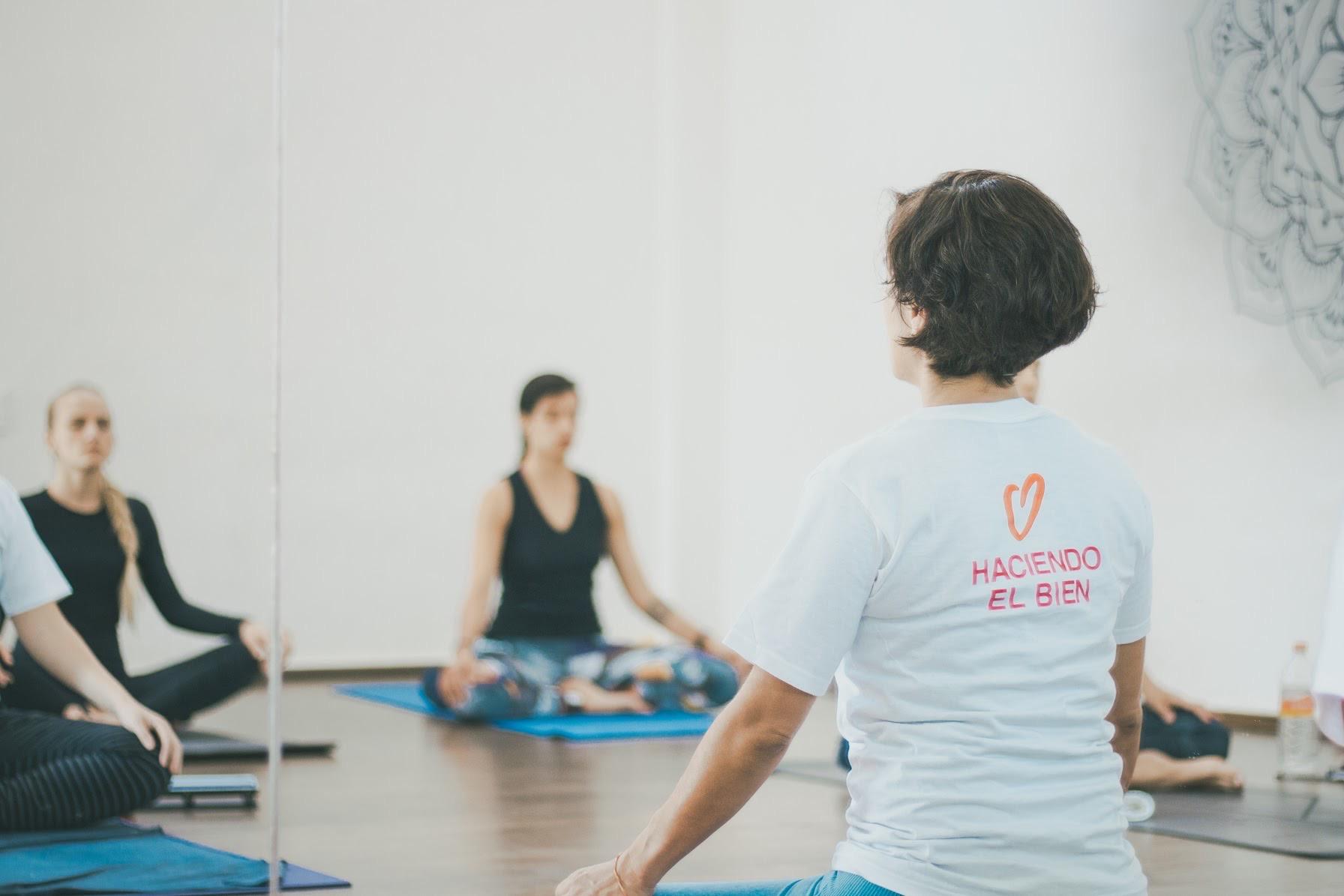 Clase Gratuita de Yoga 42