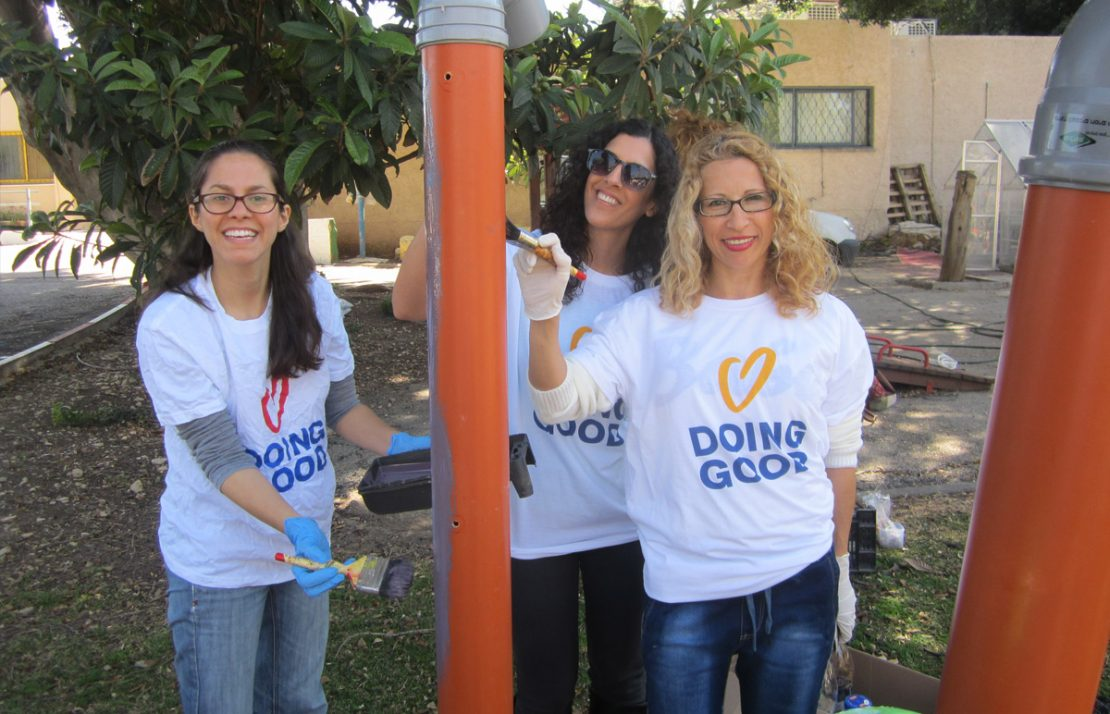 5 Ways Volunteering Benefits your Business