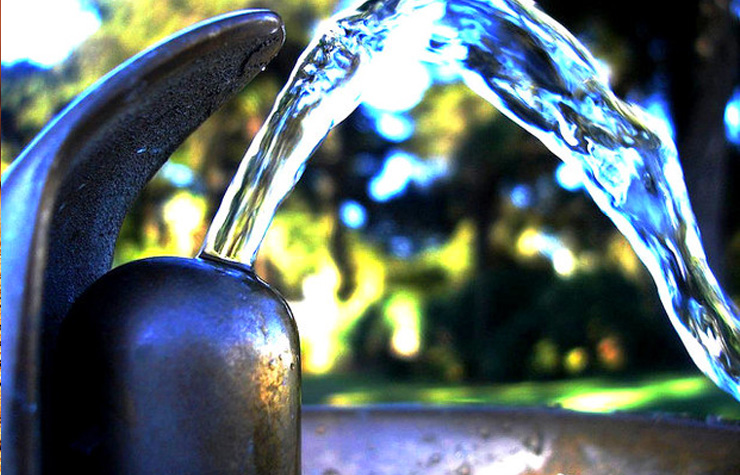 Clean drinkable water from the fountain. [Image by Flickr user Darwin Bell]