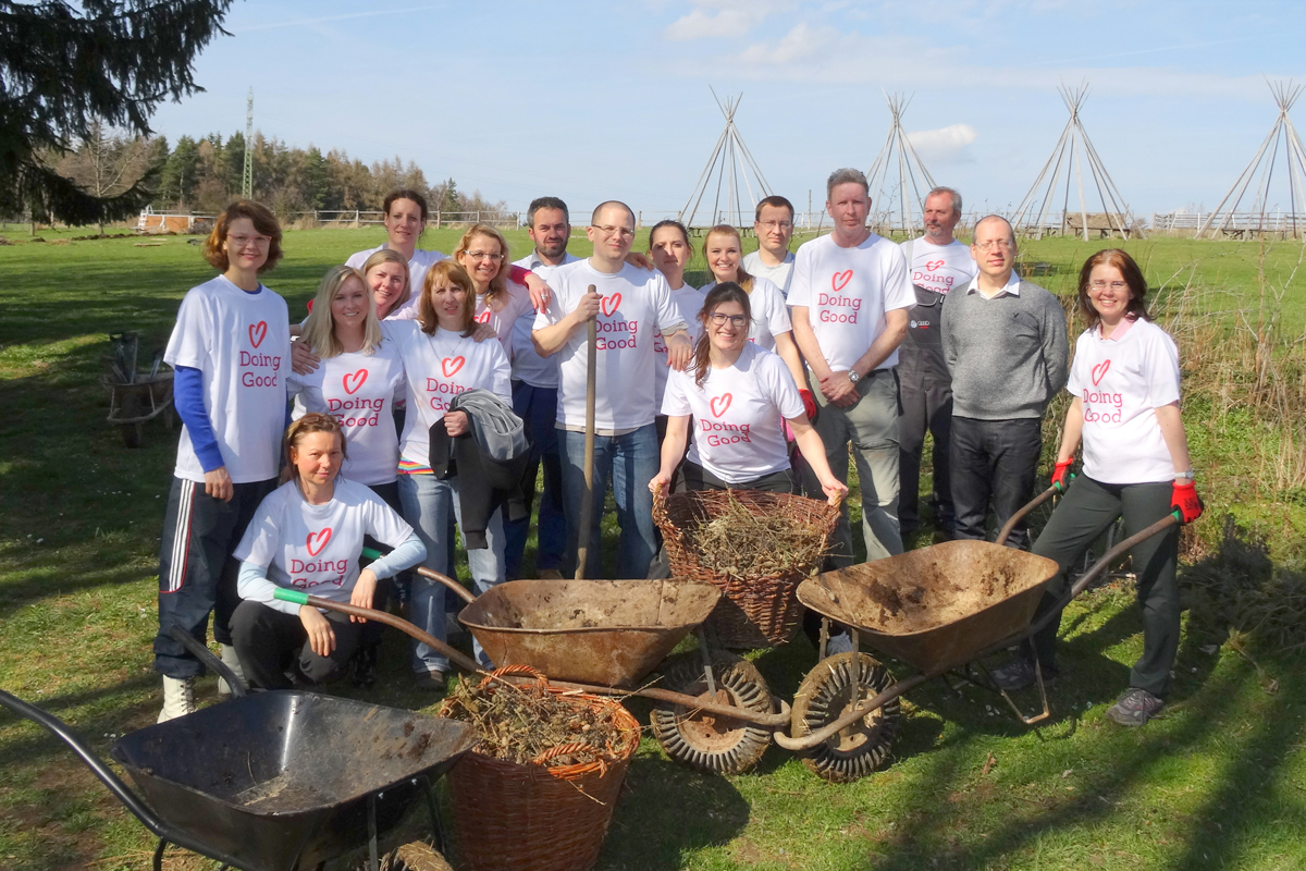 Shikun Ubinui Prague volunteers and harvests as the seasons change.