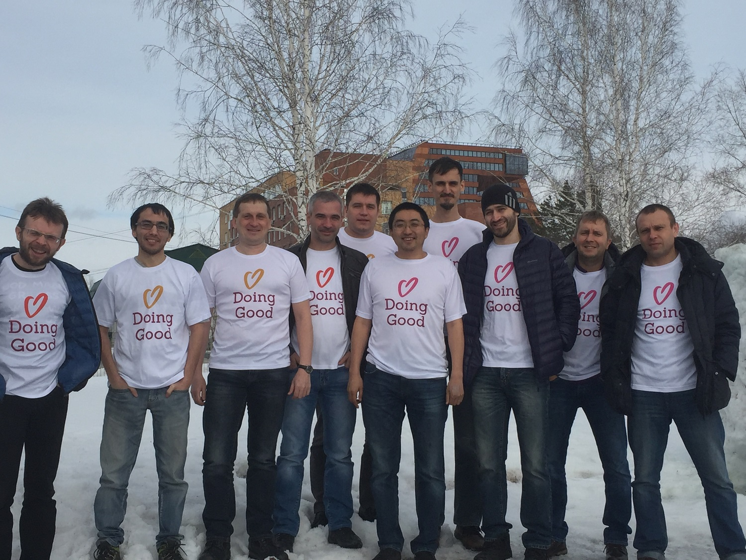 PeerApp Russia gave assistance to a local animal shelter.