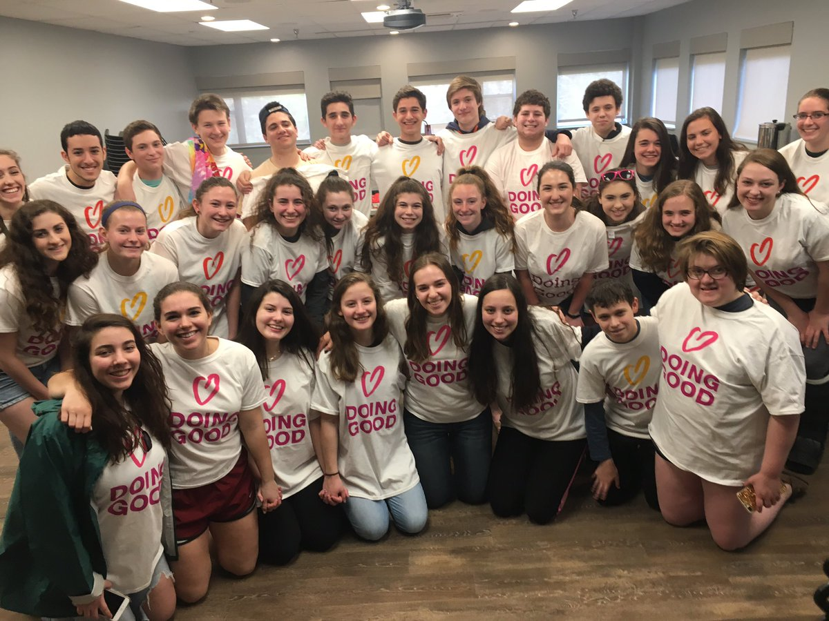 BBYO North Virginia coming together on Good Deeds Day 2017 to volunteer.