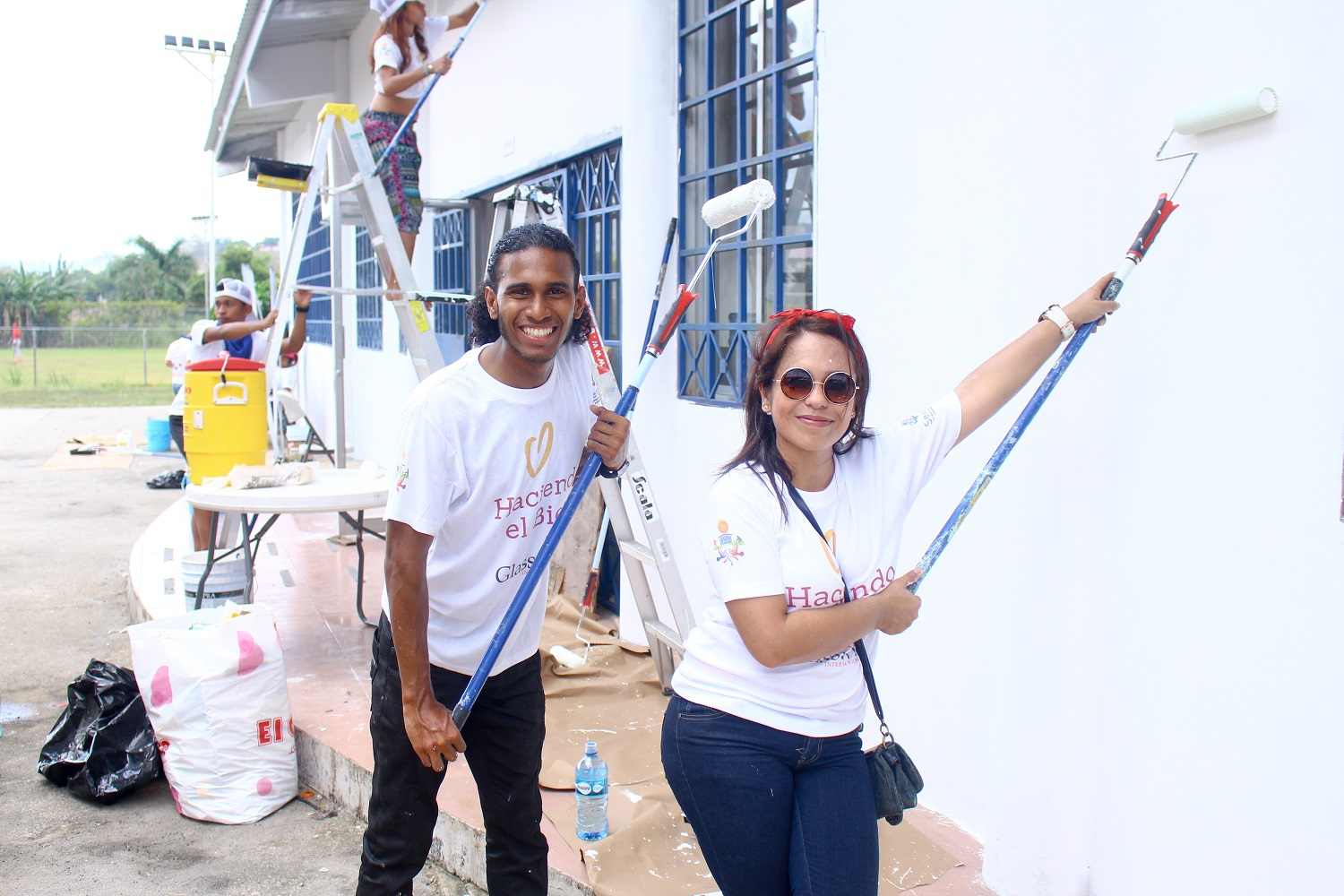 (Photo: Glasswing employees from Panama taking part in Good Deeds Day 2017)